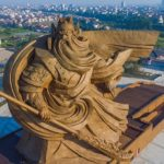 Devasa Çin Savaş Tanrısı Heykeli